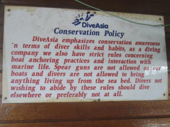 Sign on diveboat
